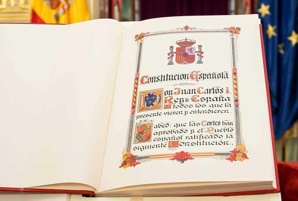 constitución española para oposiciones