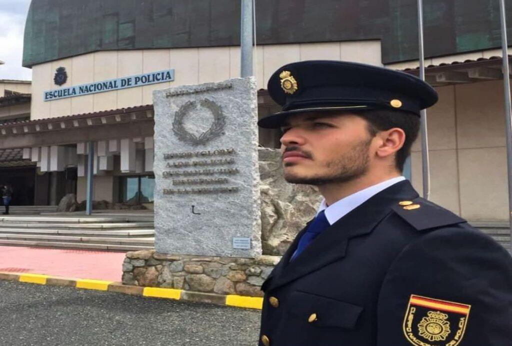 oficial de policia nacional
