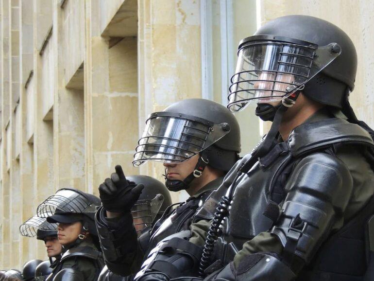 ¿Cuál es la edad máxima Policía Nacional?